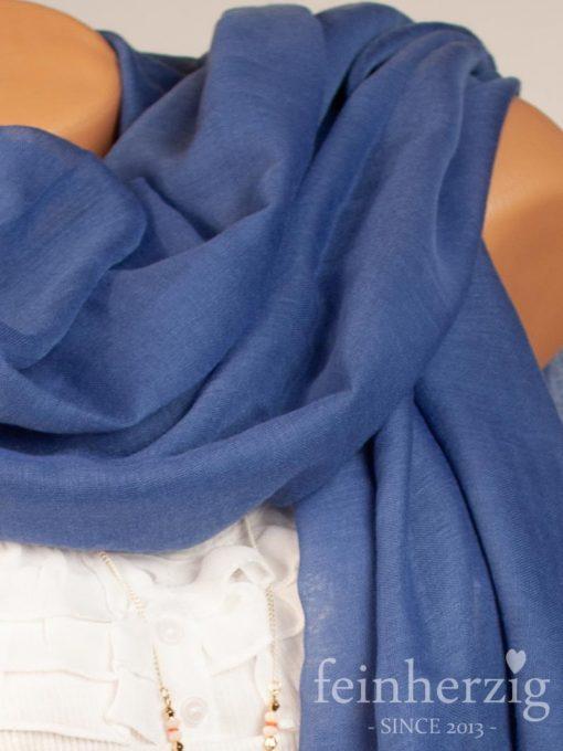 schal-tuch-aus-viskose-jeansblau-mit-fransen-feinherzig-basic-collection-1