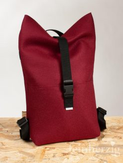 filz-rucksack-bordeaux-rot-roll-top-backpack-3