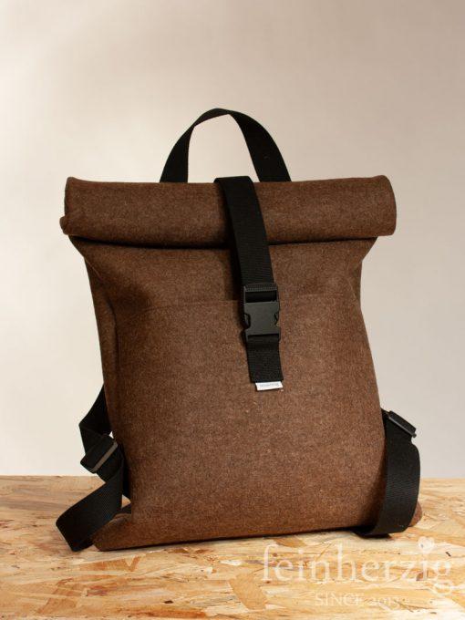 filz-rucksack-braun-roll-top-backpack
