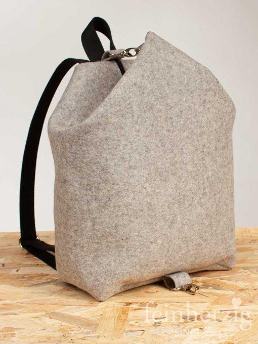 filz-rucksack-hellgrau-meliert-1