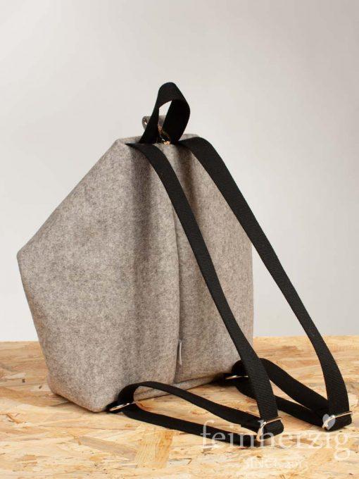 filz-rucksack-hellgrau-meliert-3