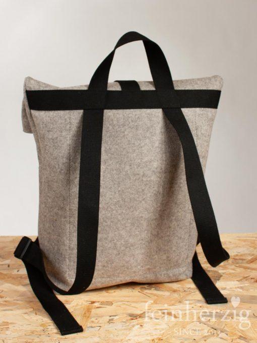 filz-rucksack-hellgrau-meliert-roll-top-backpack-4