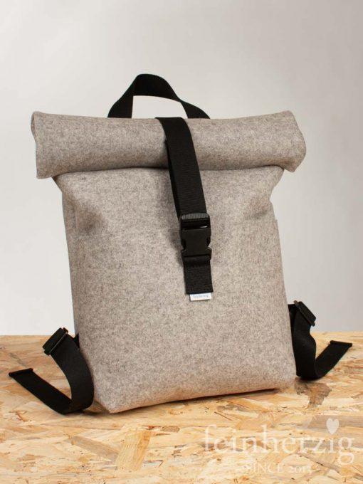 filz-rucksack-hellgrau-meliert-roll-top-backpack-Stockholm