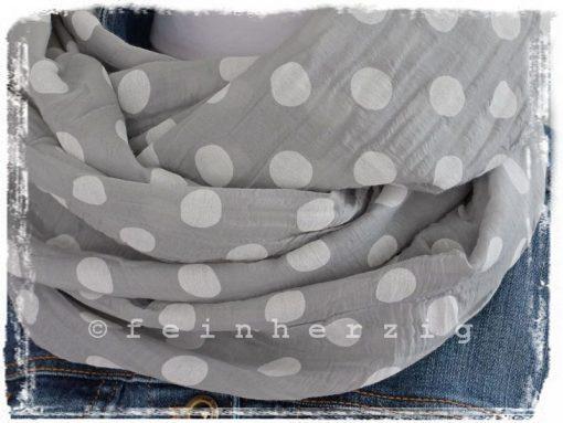 loopschal-hellgrau-dots-punkte-tupfen-weiss-seide-loop-tuch-2