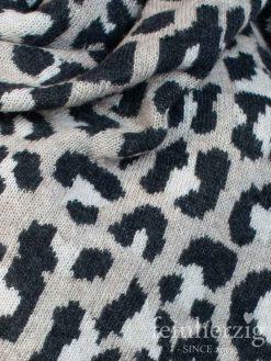 zwillingsherz-dreieckstuch-leo-mit-kaschmir-beige-schwarz-kante-in-beige-2